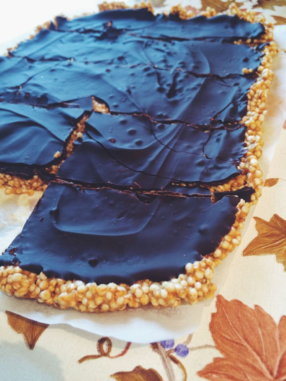 energijska ploščica z napihnjeno kvinojo